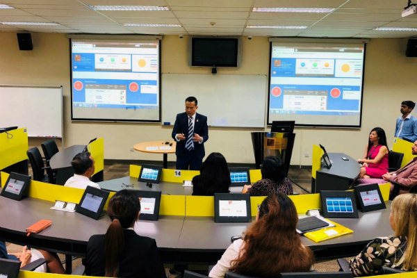 Dr John Fong, CEO & Head of Campus (Singapore), SP Jain, sharing information on the Engaged Learning Classroom (ELC)