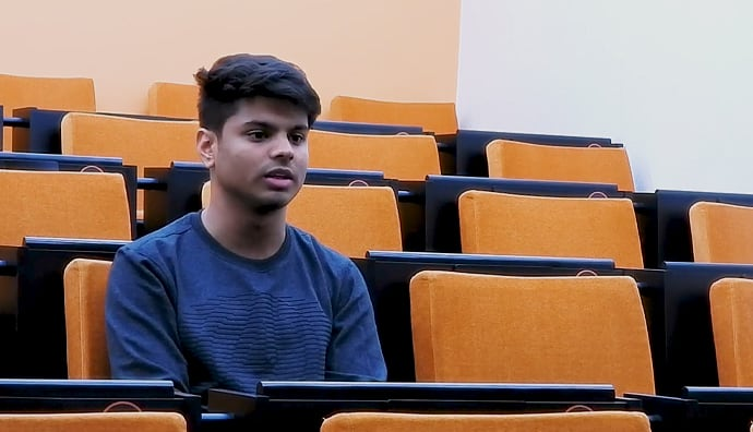 Abhishek-Tiwari-shares-how-learning-goes-beyond-the-classroom-at-SP-Jain