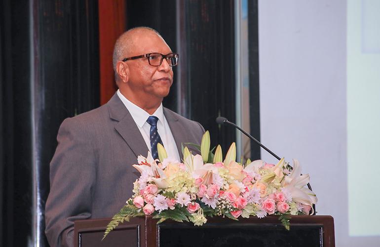 Dr Balakrishna Grandhi, Dean – Global MBA & MGB and Professor – Marketing & Strategy, SP Jain, delivers the Dean's Address