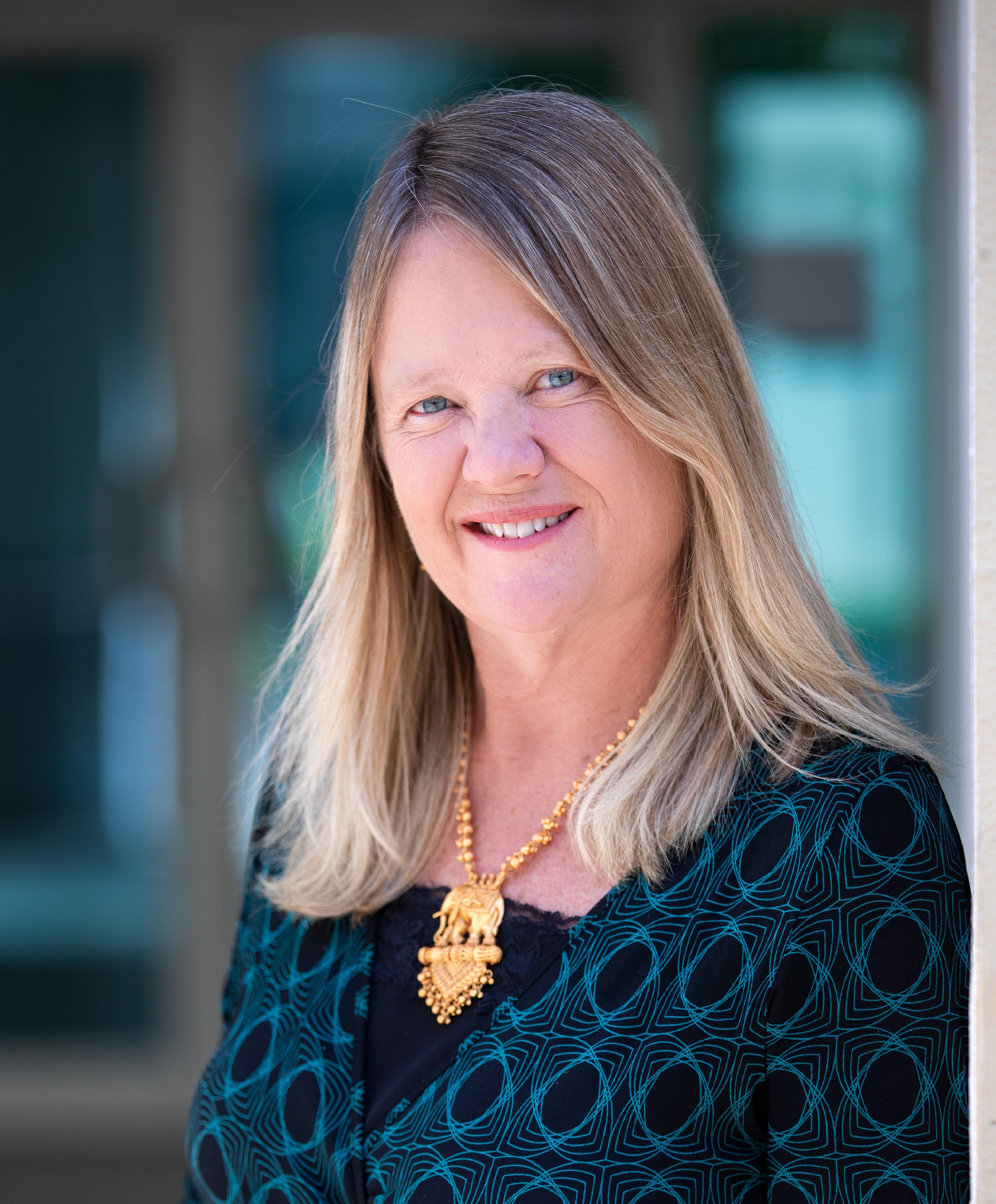 4 Best Online Teaching Strategies for Quantitative Subjects - Dr. Monica Gallant writes in Edarabia
