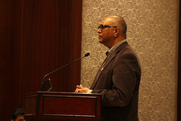 Dr. Balakrishna Grandhi, Dean - Global MBA & MGB and Professor of Marketing & Strategy at SP Jain, delivered a talk on 'Interactive Technology and Customer Experience Journey'